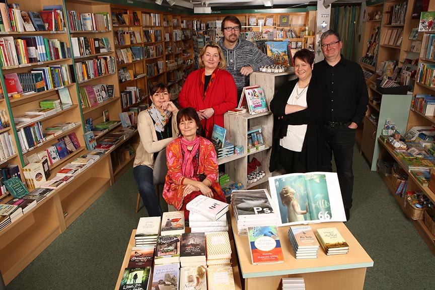 Das Team der Christothek Buchhandlung in Bayreuth: Das Team v.l. Elke Meyer, Antje Haugg, Sibylle Scholz, Stefan Post, Claudia Sommermann, Thorsten Sommermann